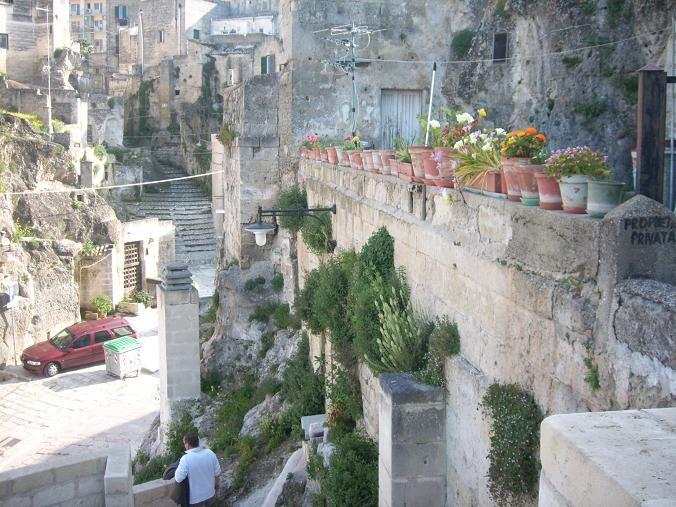 Straatje in Matera, de Culturele hoofdstad van Europa 2019