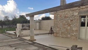 Gerenoveerde Trulli met grote waterput te koop in Noci Puglia
