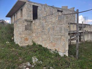 de nog af te bouwen villa vanaf de tavernetta kant te koop in Puglia