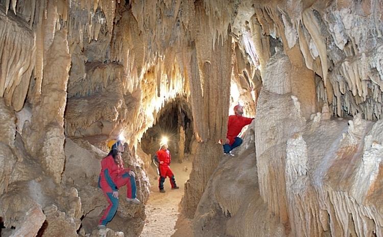 Voorstellingen in de grotten van Castellana