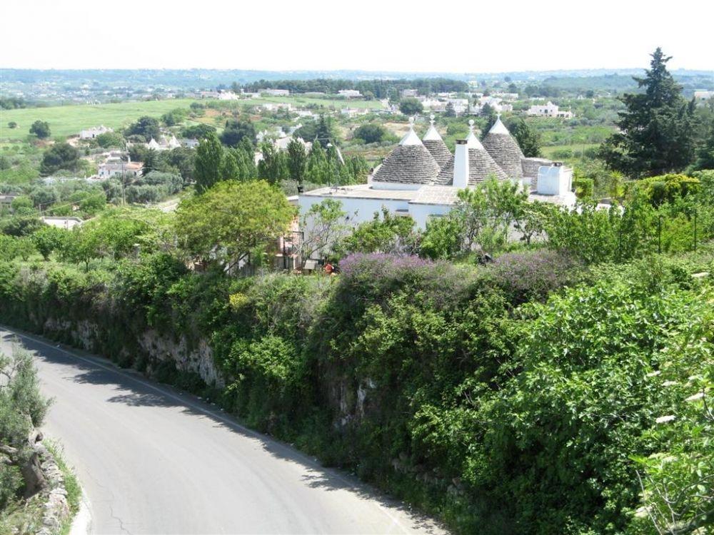 Vanuit B&B Villa Lavanda via de oude weg naar Martina Fr. en dan de Itrie Vallei in